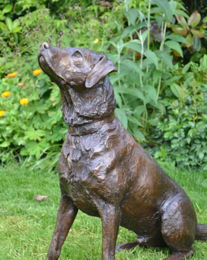 Labrador pair sculpture, Sitting labrador sculpture