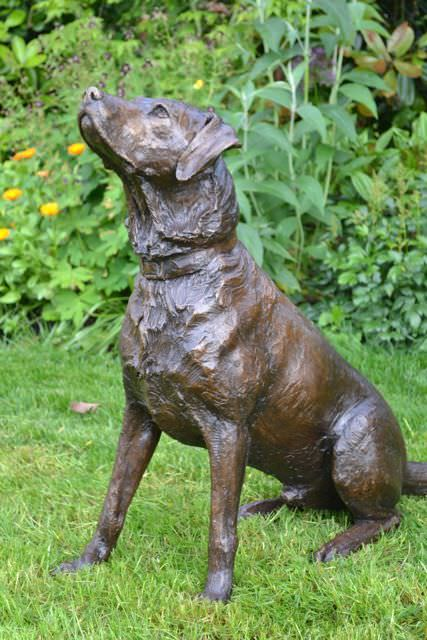 Labrador pair sculpture, Sitting labrador sculpture