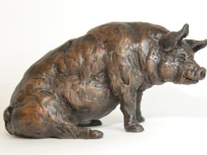 Pig Family sculptures - Sitting Pig Sculpture