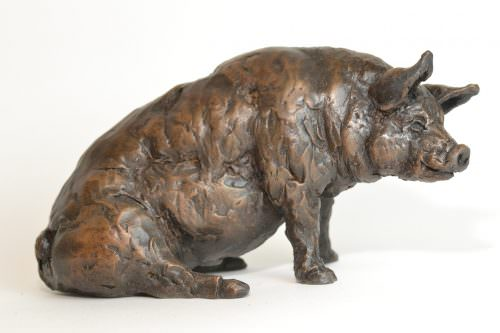 Pig Family sculptures - Sitting Pig Sculpture