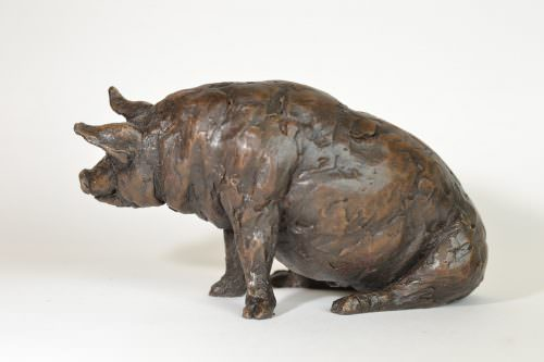 Sitting Pig sculpture
