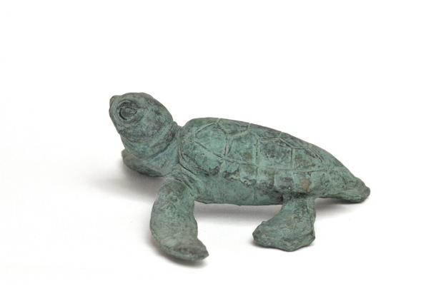 PAIR OF BABY TURTLES SCULPTURE