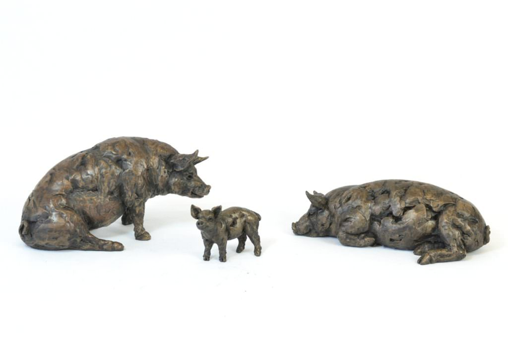 Pig Family sculptures