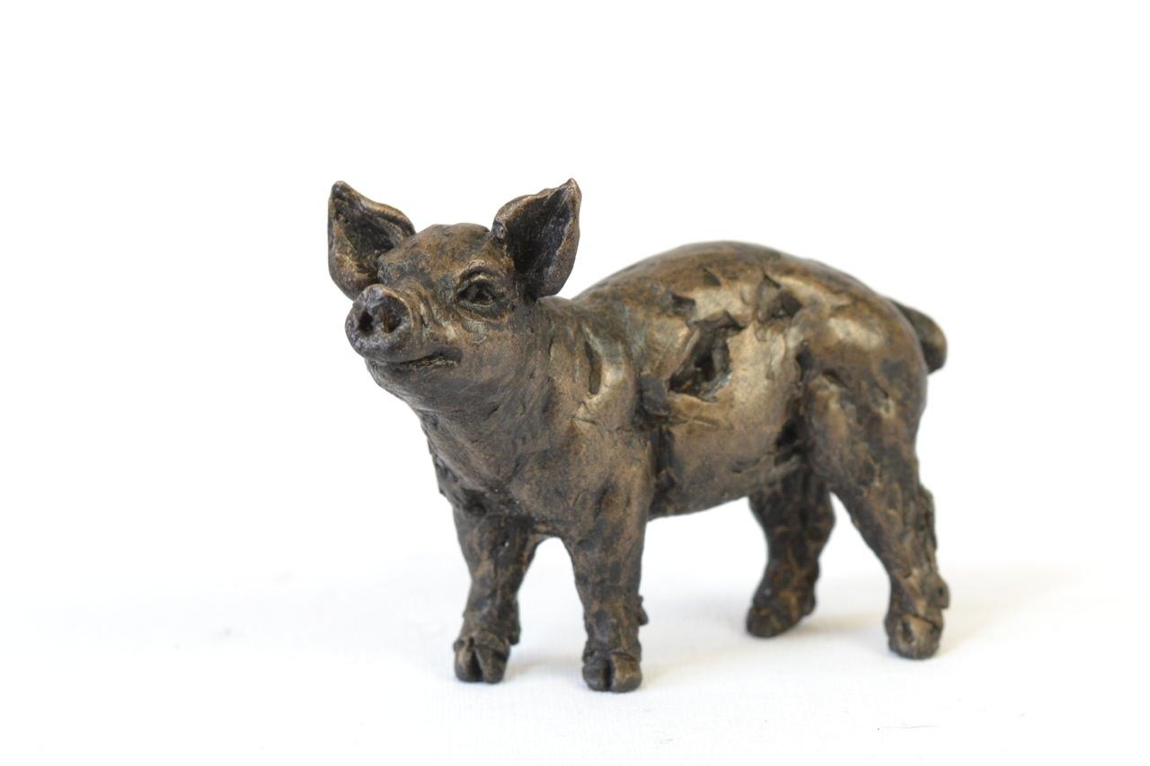 Piglet sculpture - front quarter left view