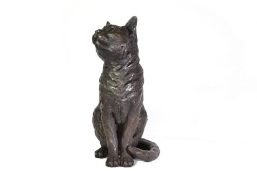 Sitting Cat sculpture front view