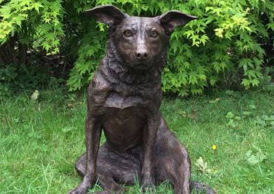 Border Collie sculpture sitting
