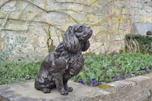 SITTING KING CHARLES CAVALIER SPANIEL SCULPTURE