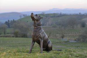 labrador statue outdoor