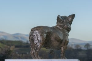 french bulldog garden sculpture