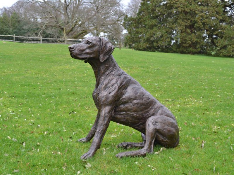 german shorthaired pointer statue