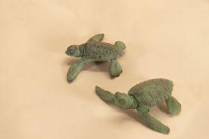 PAIR OF BABY TURTLES SCULPTURE