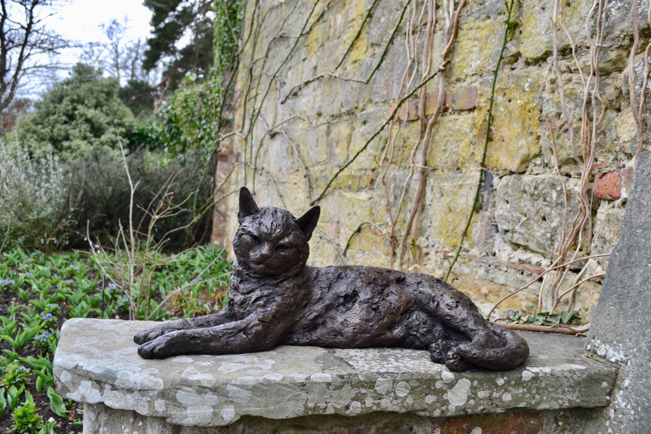 LYING CAT SCULPTURE