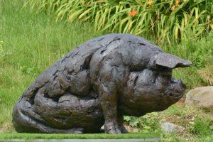 Outdoor Pig sculpture