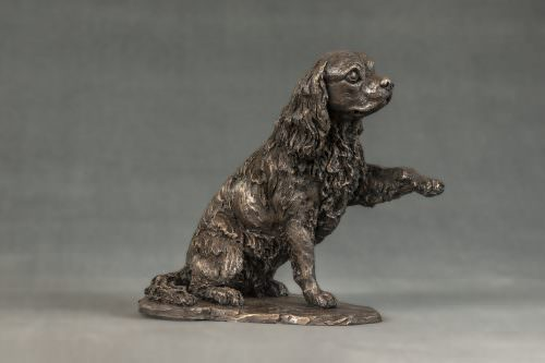 CAVALIER KING CHARLES SPANIEL WAVING PAW SCULPTURE