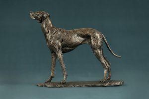 bronze vizsla statue
