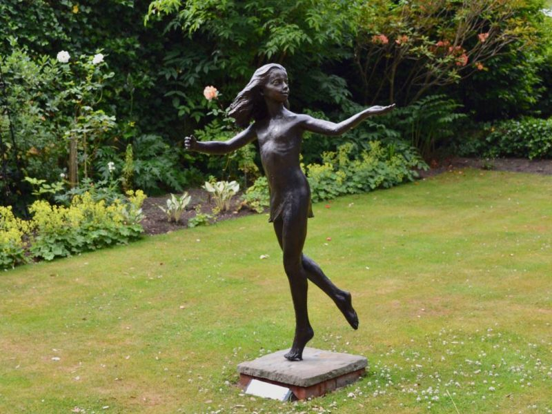 Dancing Girl Sculpture