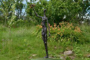 bronze bee sculpture