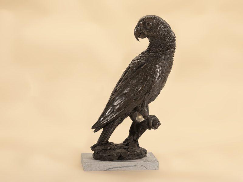 parrot bird statue
