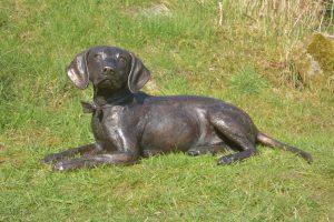 bronze spaniel beagle crossbreed statue